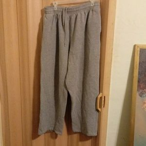 "EUC Gray Spalding ""dri-power"" sweatpants"